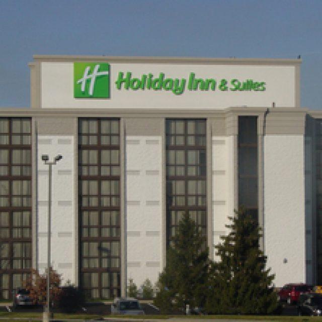Holiday Inn and Suites Cincinnati Eastgate