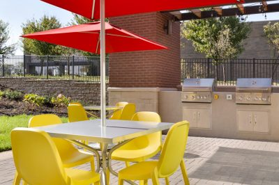 Outdoor-Patio-with-Grills